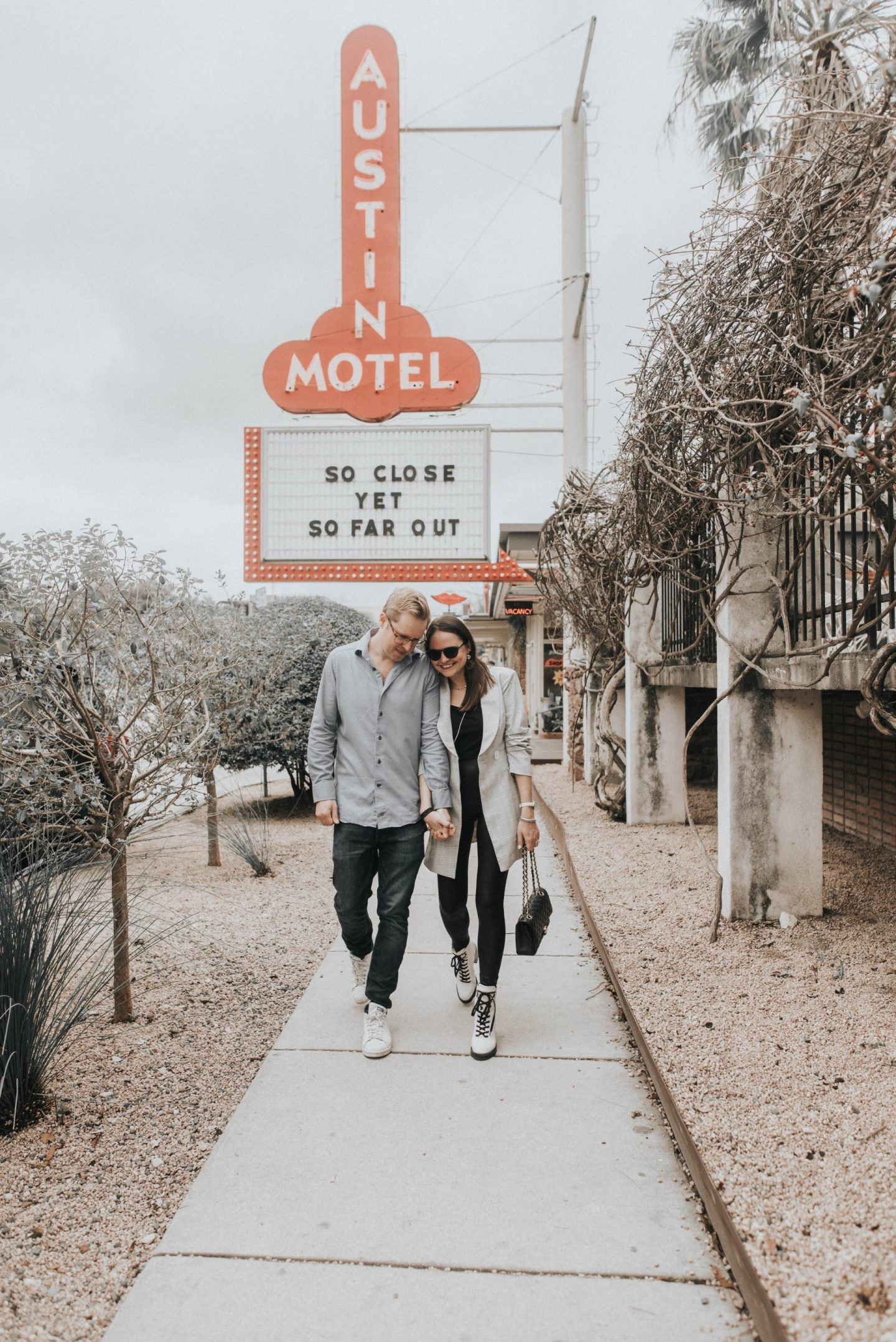 austin motel couples shoot